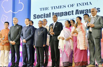 the-times-of-india-social-impact-awards-jaipur-rugs